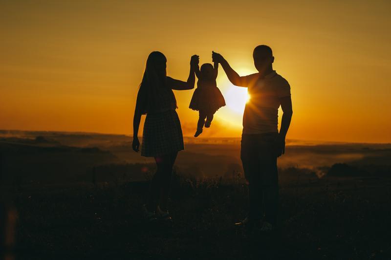 רביעי משפחתי
